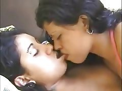 indian-xxx-sexy-hotest-girls-kissing